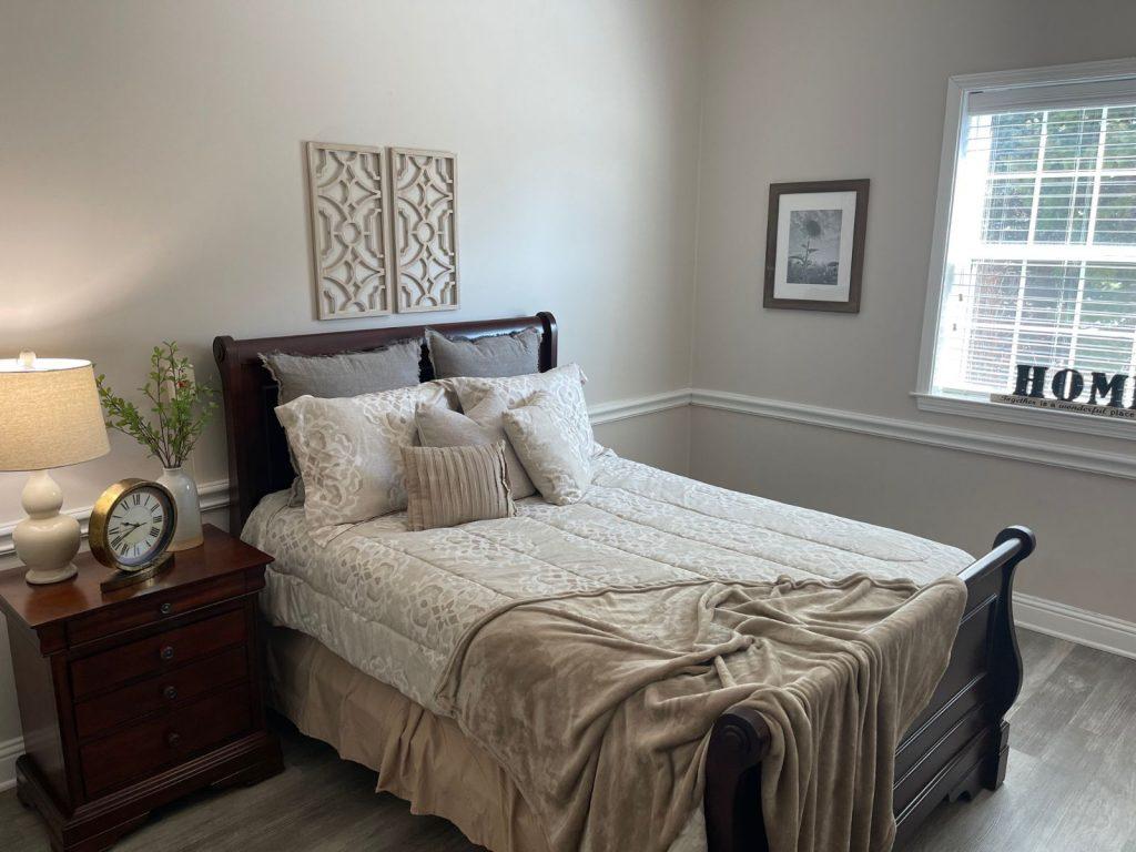 Image Gallery   Suite Bedroom